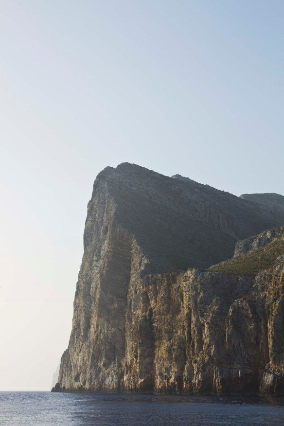IslandHopping-Cliffs